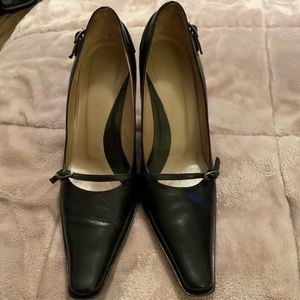 Kenneth Cole New York Back Stage Heels Sz 7.5M